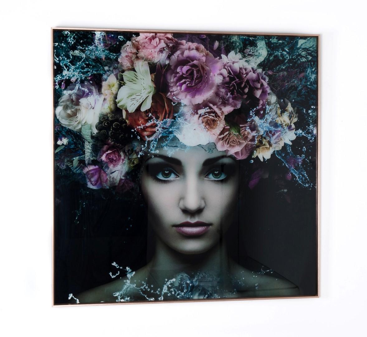 Cuadro de mujer y flores