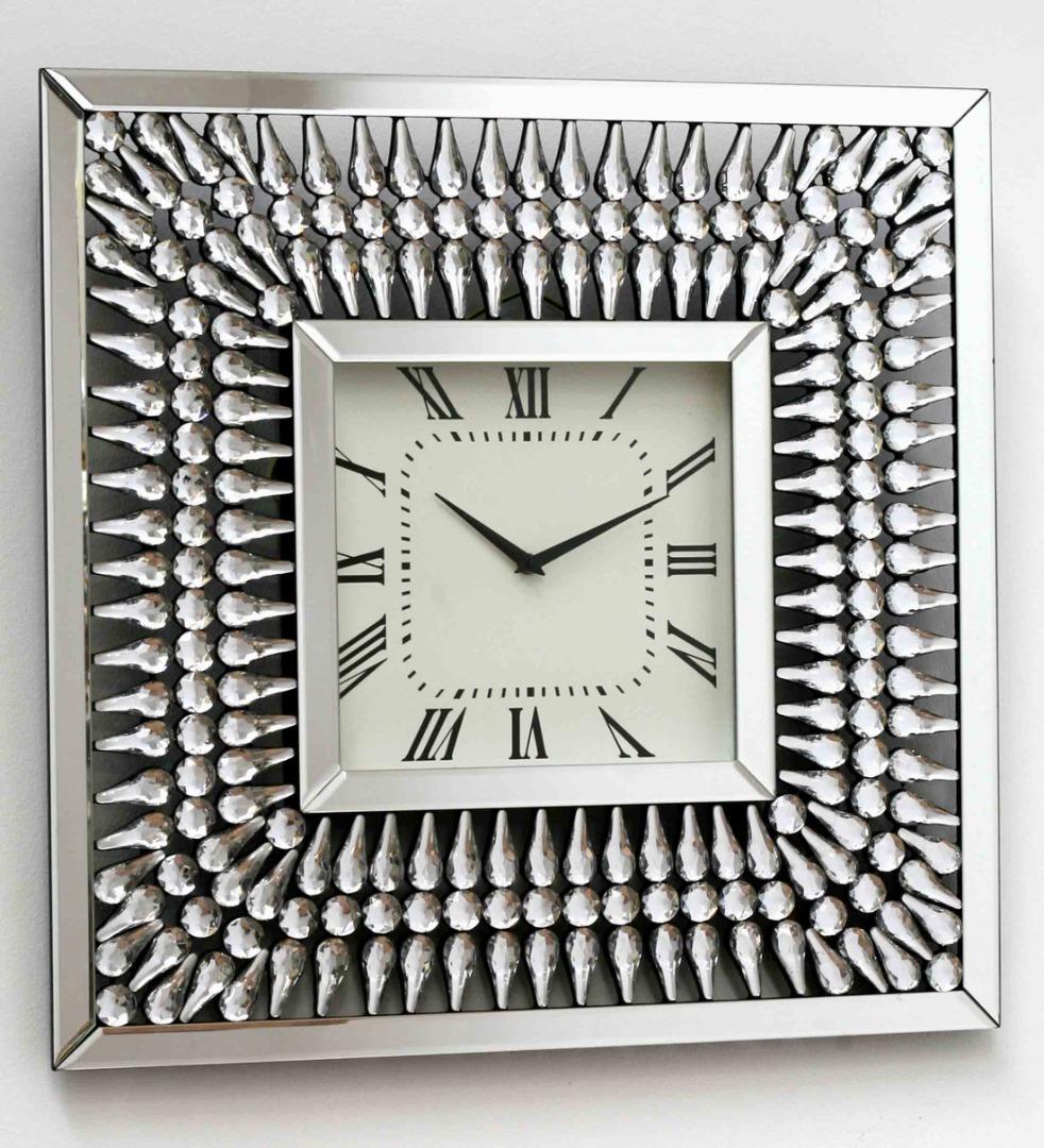 reloj cuadrado con brillantes