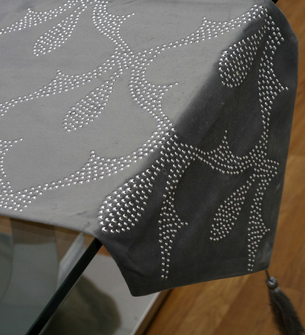 cami de taula gris