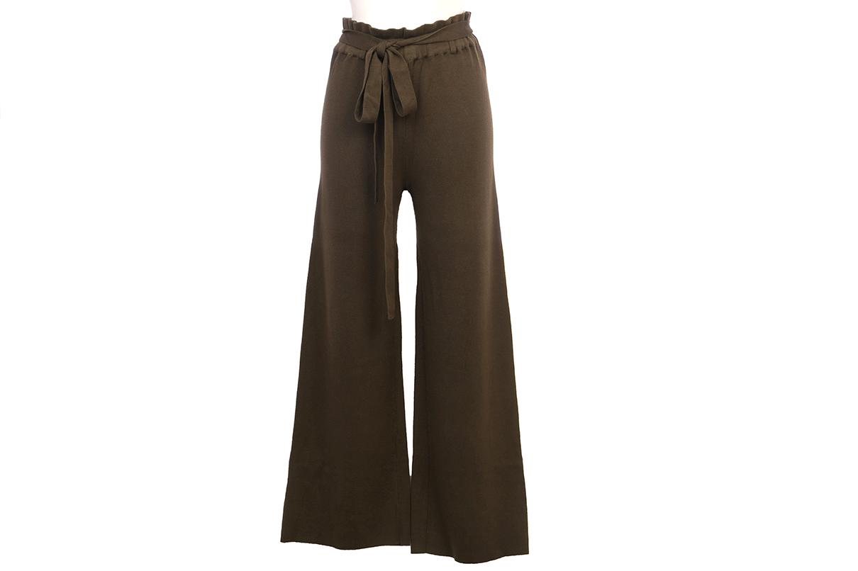Pantalón kaki de punto, muy cómodo